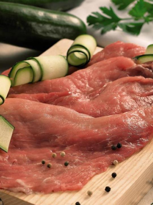 Escalope de porc marinée (dans le jambon)